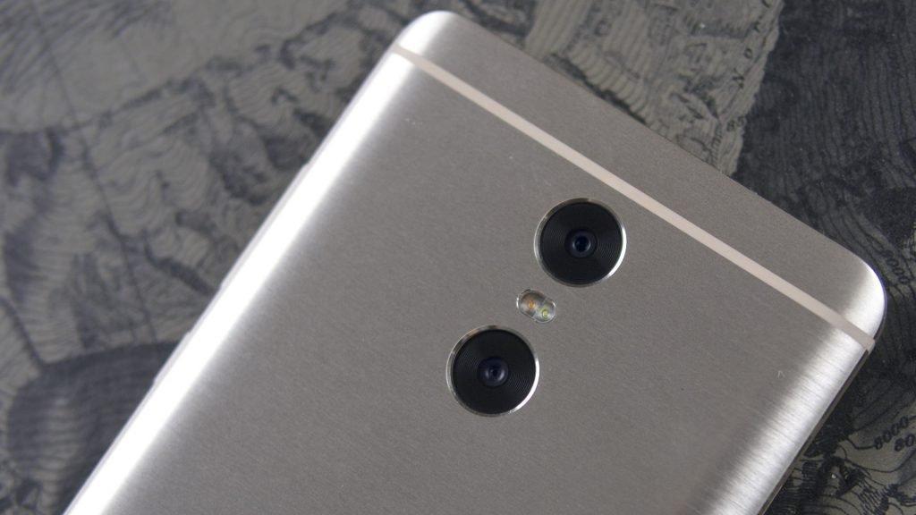 Xiaomi Pro с двумя камерами