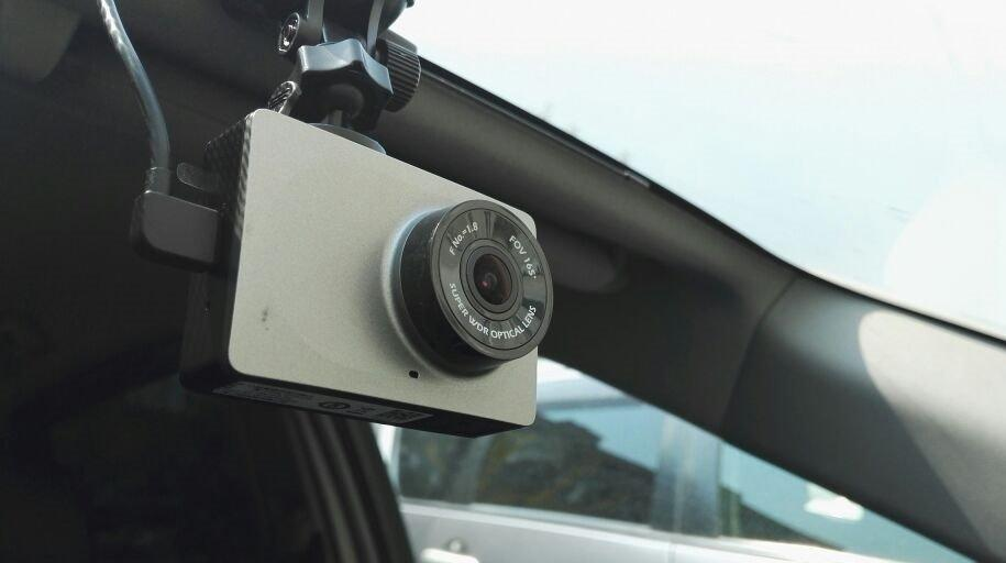 Xiaomi Yi wifi dvr dash camera